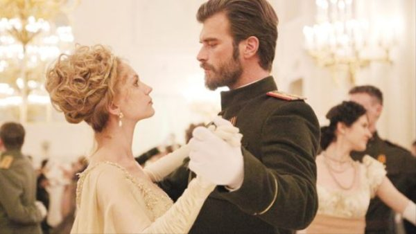 Kurt Seyit ve Sura--your new favorite costume drama